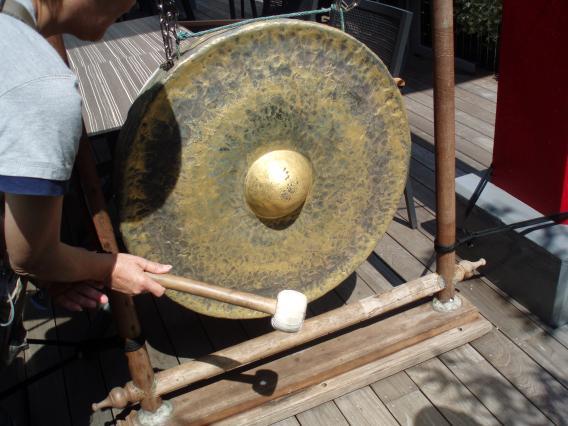 横浜博覧館幸福の銅鑼