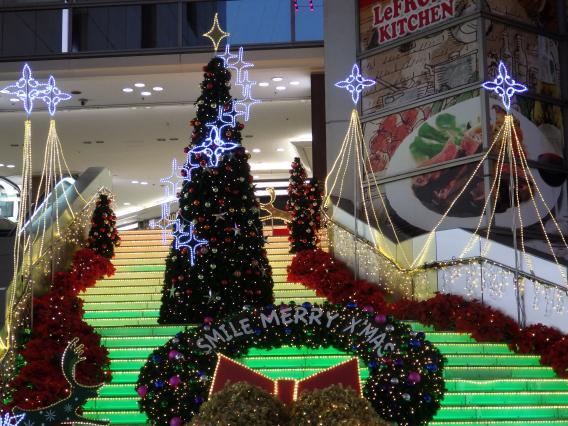 川崎ルフロンヨドバシカメラ前クリスマスイルミネーション