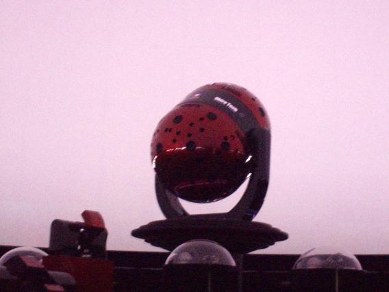 プラネタリウム投影機