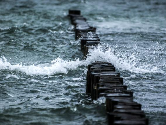 breakwater0001