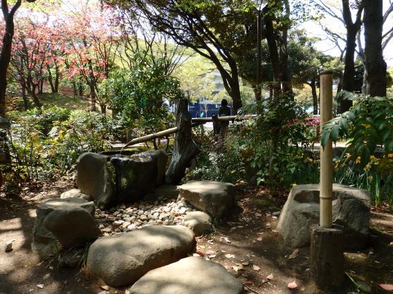 横浜公園水琴窟 (4)